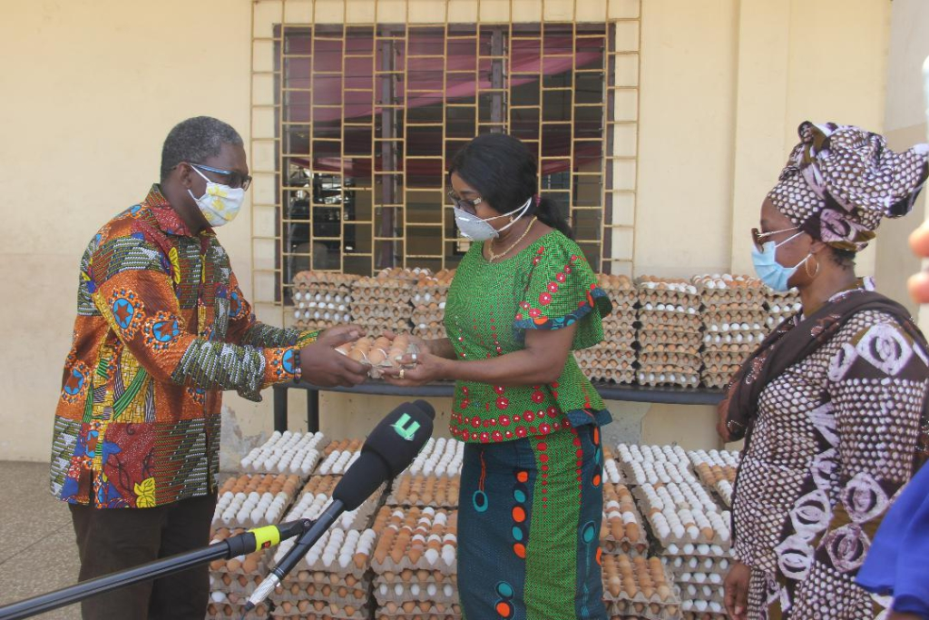 Greater Accra Poultry Farmers Association donates to First Lady, Gender Ministry in support of Covid-19 fight