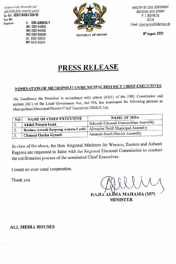 Akufo-Addo sacks Amansie South, Akuapem North DCEs; nominates replacements