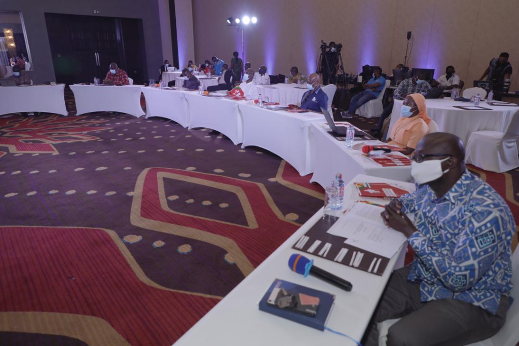 Economists present cost-effective research on health solutions in Ghana