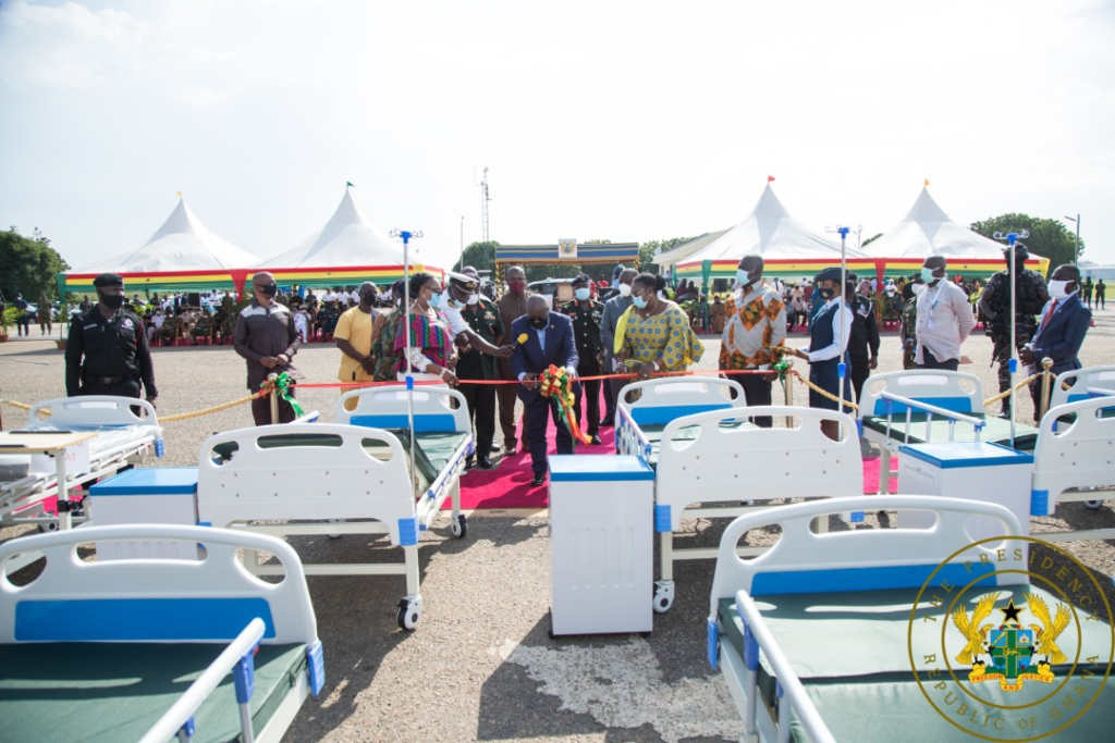 Akufo-Addo presents 10,000 hospital beds to Health Ministry