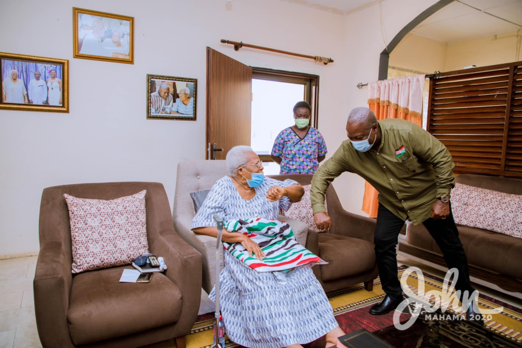 Mahama visits late Amissah-Arthur's mother during tour of Central Region 11