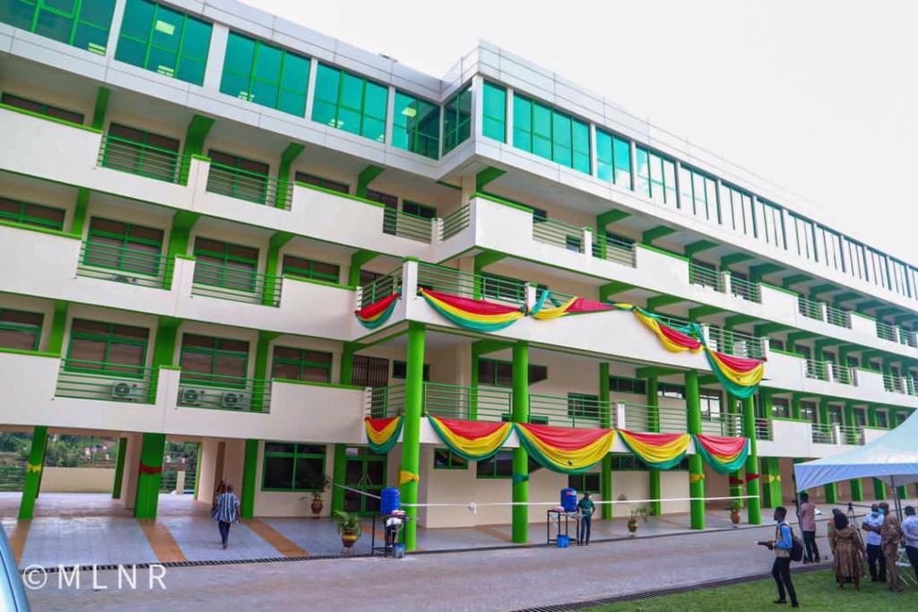 Akufo-Addo commissions a 5-storey Minerals Development Fund sponsored admin block for UMaT