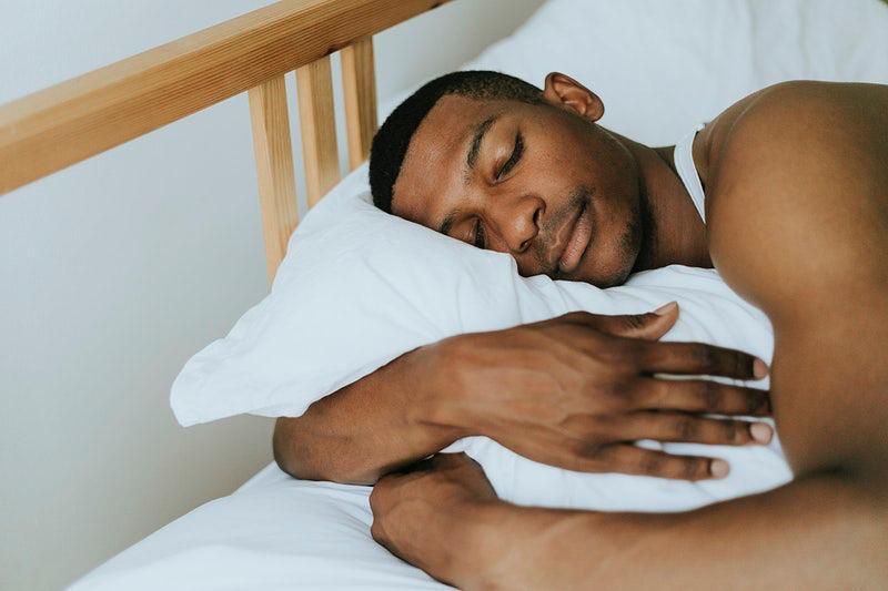 Proper eating habits for improved sleep