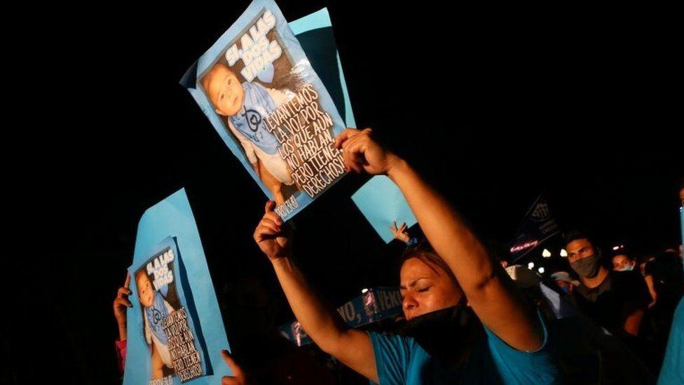 Argentina abortion: Senate votes in favour of legalisation