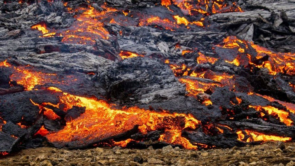 Iceland volcano eruption: Onlookers flock to see Mount Fagradalsfjall