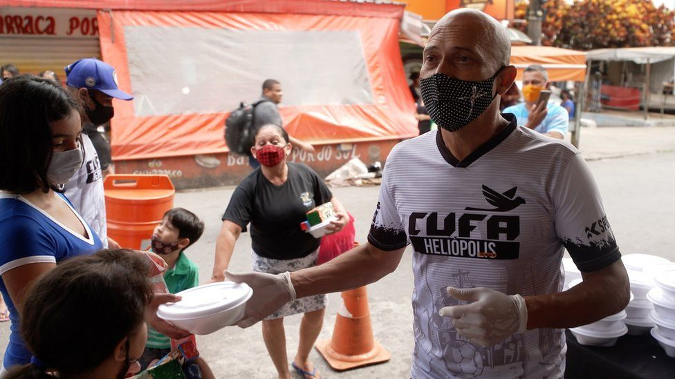 Covid in Brazil: Pandemic meets poverty in growing crisis