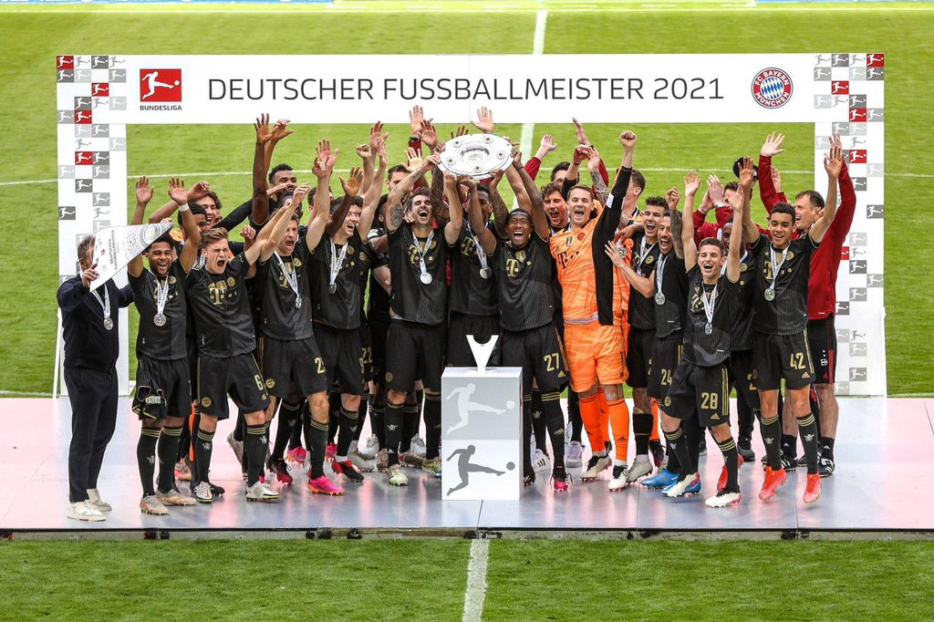 Lewandowski breaks 49-year goalscoring record in final minute of season