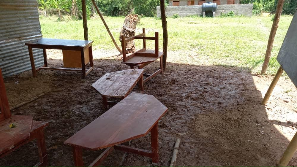 Students in Fodome-Kordzeto turn shed into classrooms