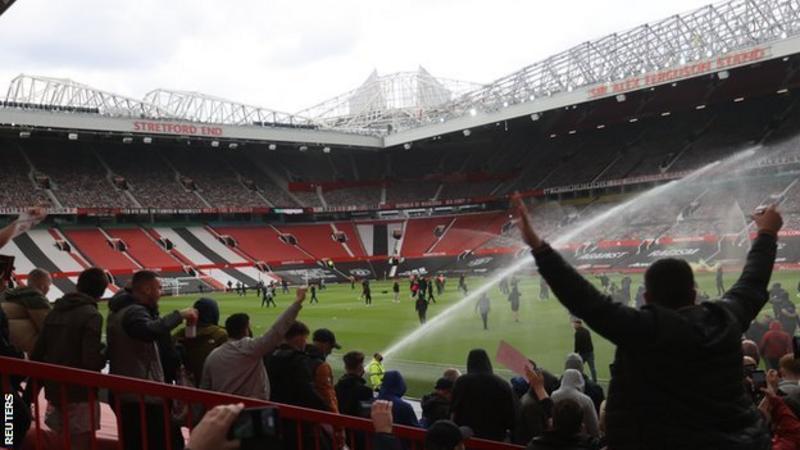 Manchester United vs Liverpool game postponed after fan ...