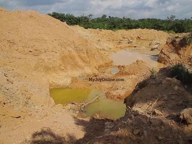Galamsey: Desilting and dredging of the Offin river underway