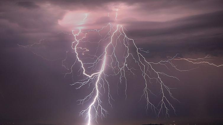 boy struck by lightning - photo #15