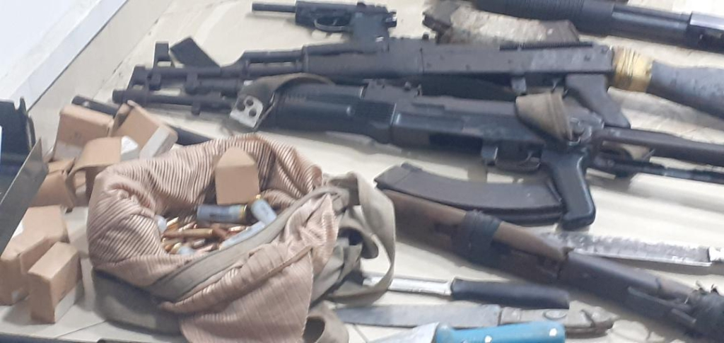 Police seize over 2000 live ammunitions from suspected robbery gang