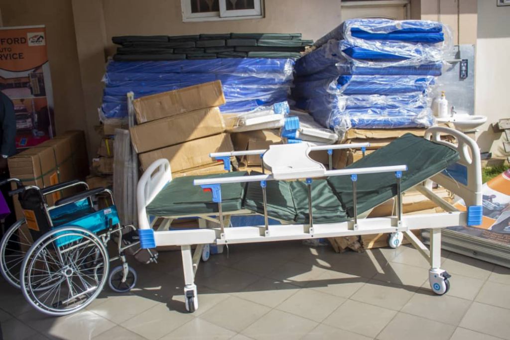 Korle Bu Hospital receives 25 beds, 10 wheelchairs from Hardford Auto Service