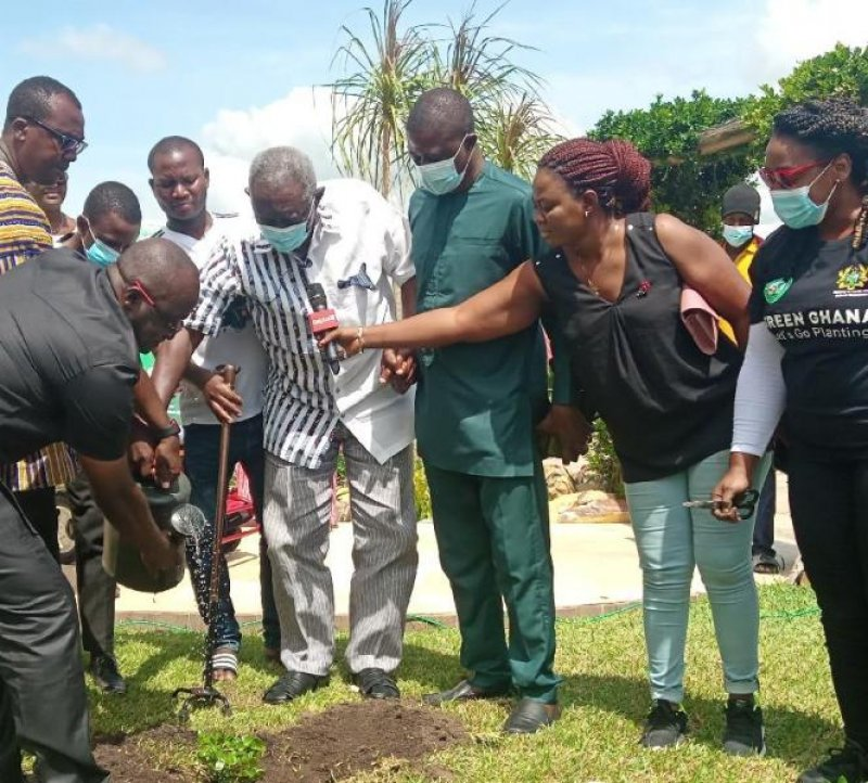 Kufuor participates in planting 5 million trees