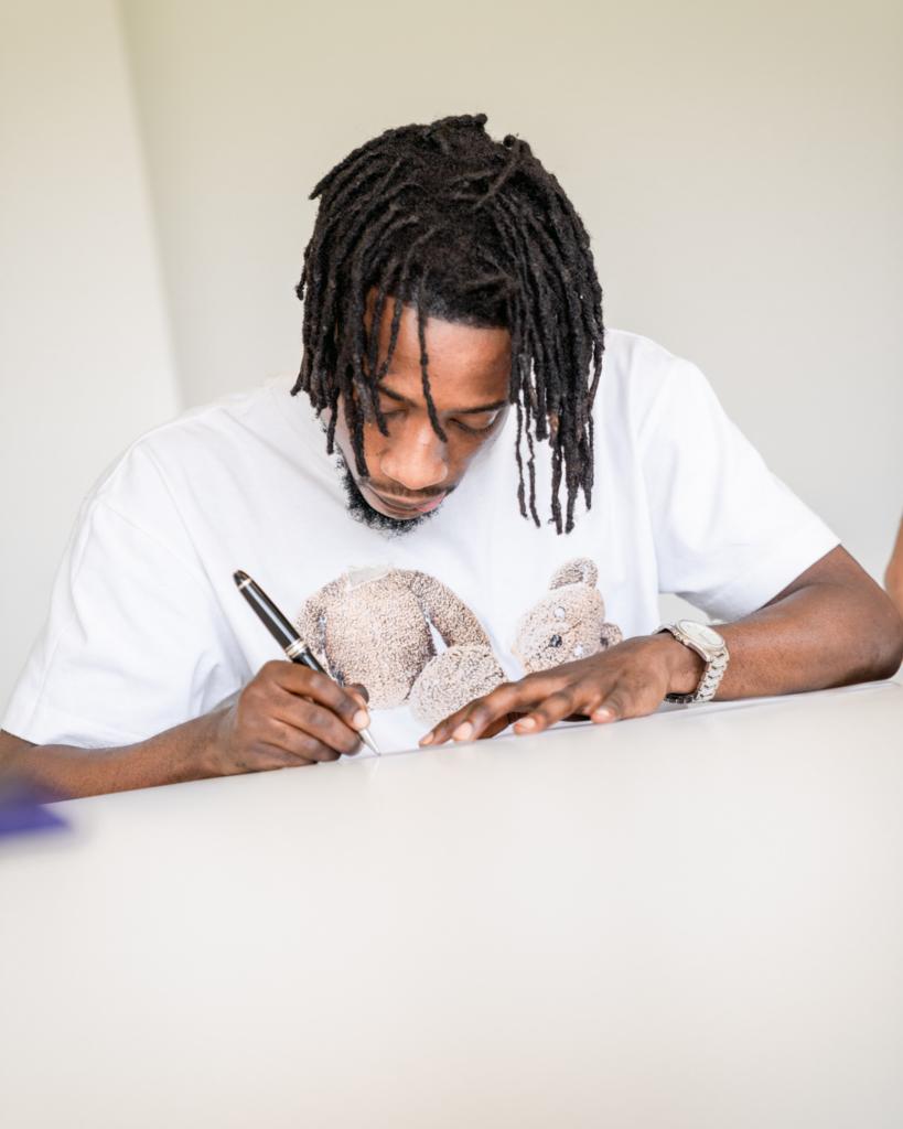 Anderlecht complete the signing of Ashimeru