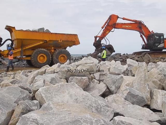 Works and Housing Ministry assures Cape Coast, Elmina residents of sea defense