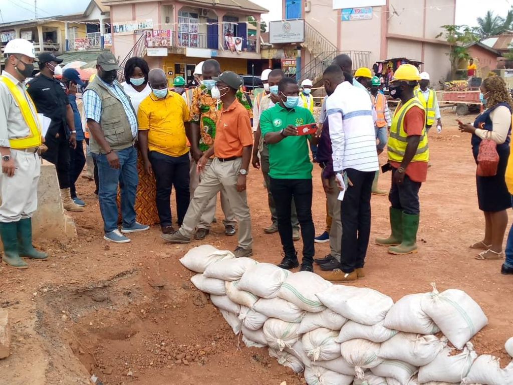 Roads Minister charges contractors to prioritise quality work