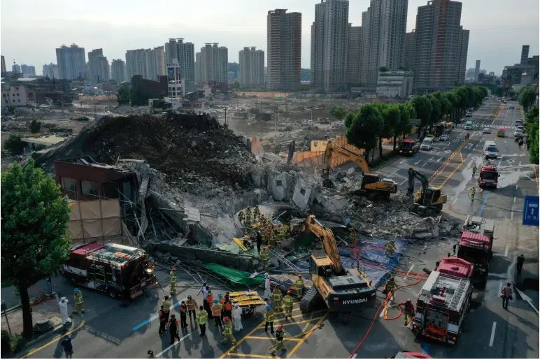 9 dead after bus crushed in South Korea building collapse