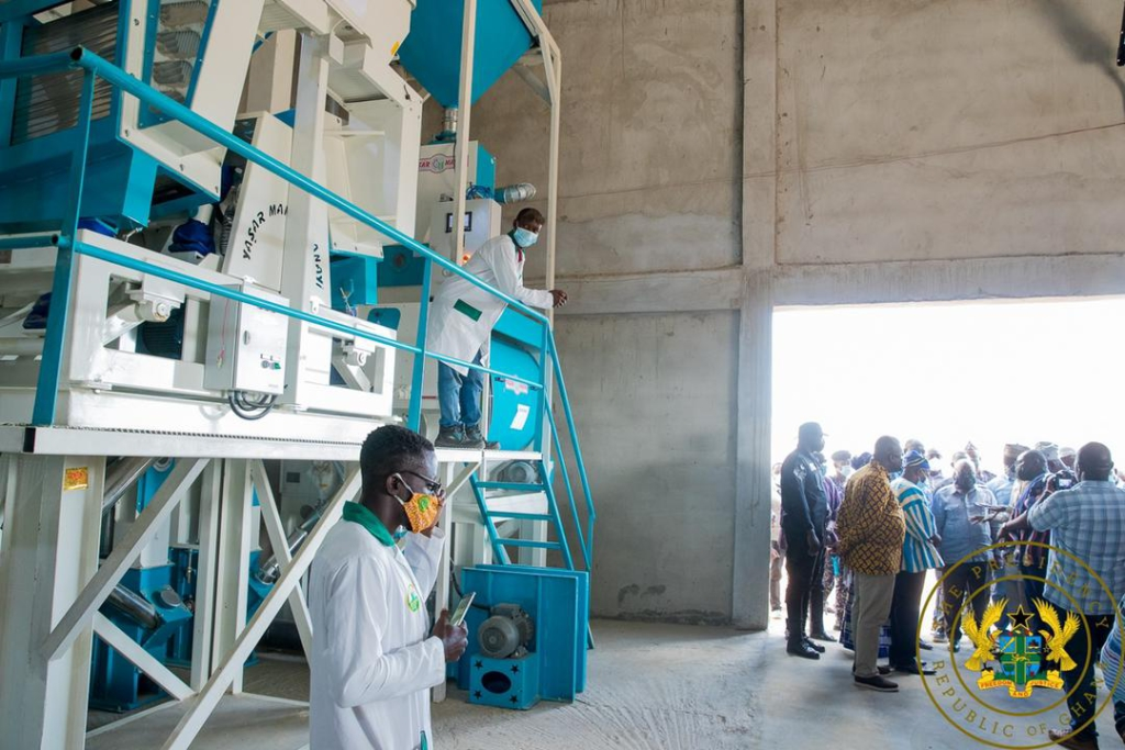 1D1F: Akufo-Addo inspects ¢36m watermelon juice and rice factory in Walewale