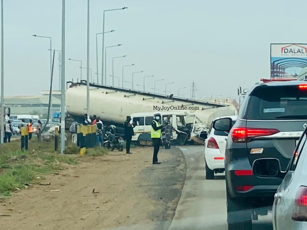 One dead, several others in critical condition as trotro crashed into fuel tanker on Tema motorway