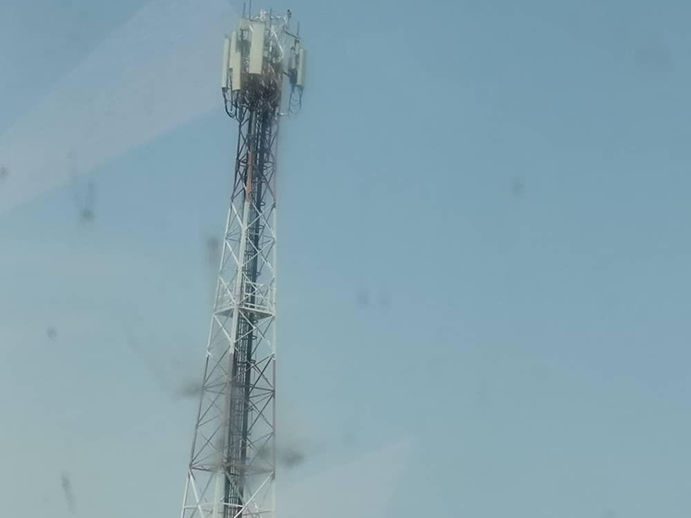 Remove telecommunication masts on flight paths or we will remove them for you - Transport minister warns telcos