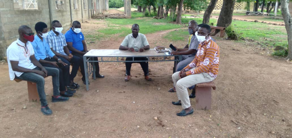 Kusanaba SHS teachers hold meetings under trees 2 months after rainstorm ripped off school's structure