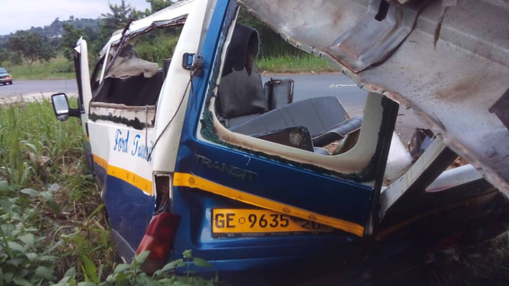 5 die as Adieso-bound bus crashes into stationary truck