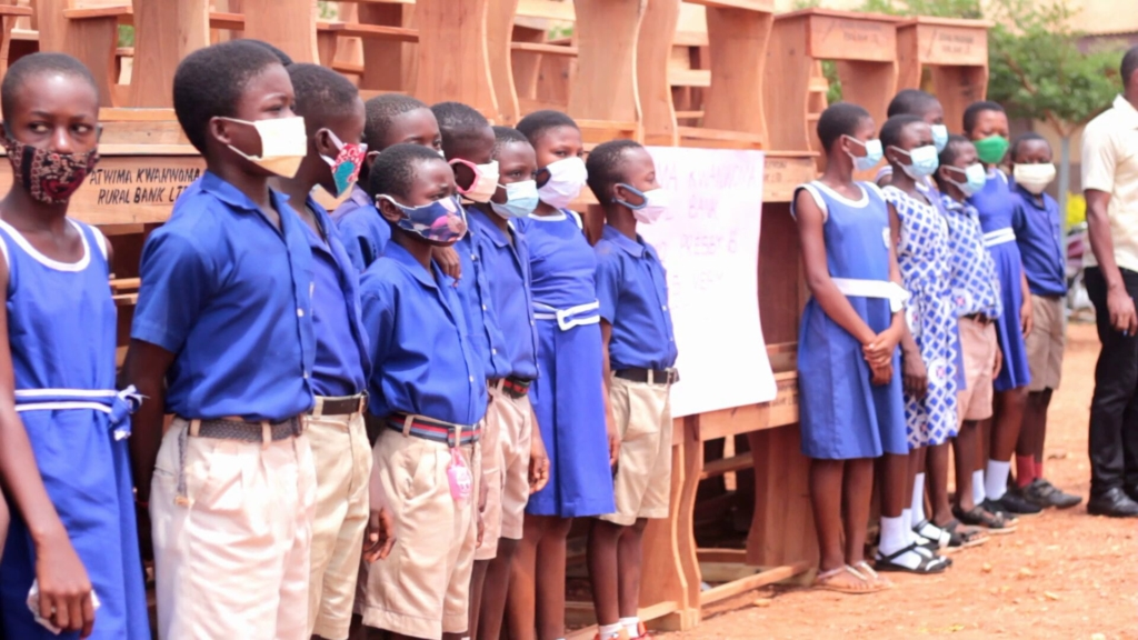 Primary school teacher leads efforts to provide uniforms