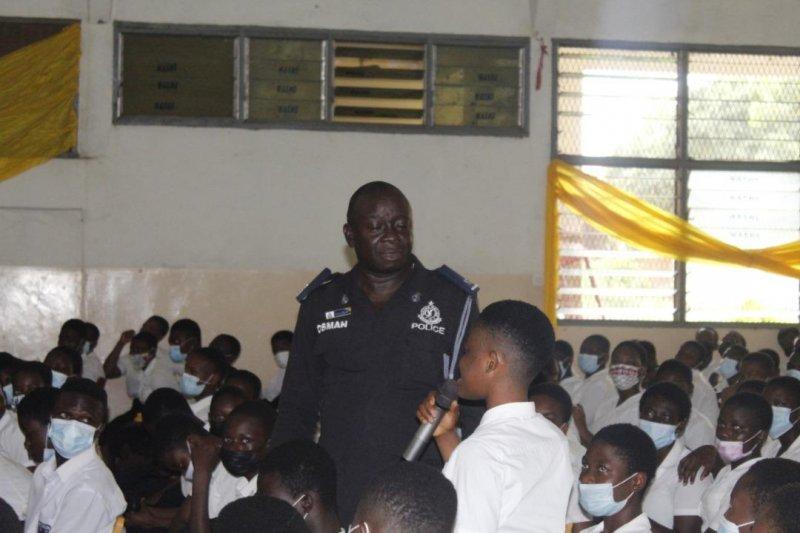 Adenta Police sensitise students on drug abuse