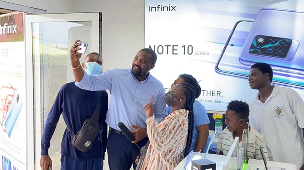 Shatta Wale storms Circle Market for Infinix July Invasion
