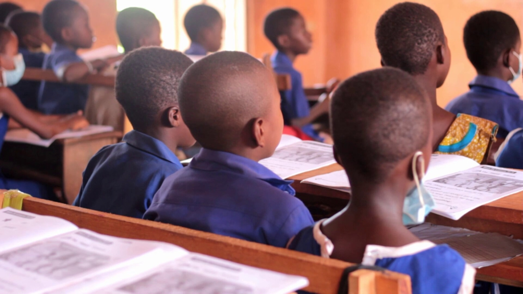 Atwima Kwanwoma Rural Bank invests in Covid-19 protocols in basic school following spike in cases