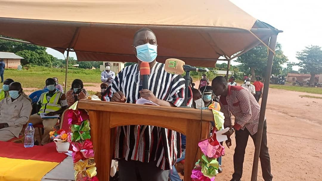 Bono East Minister cuts sod for the construction of deplorable Tanoboase-Yefri road