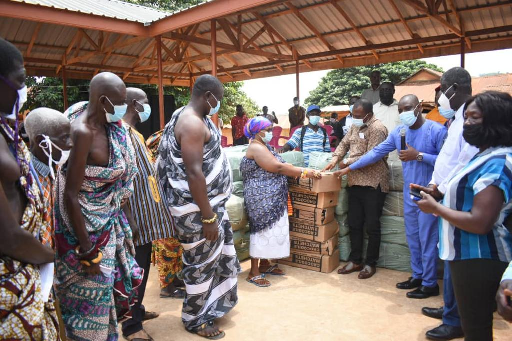 Bryan Acheampong donates ¢500k worth of farm inputs to Abetifi constituency