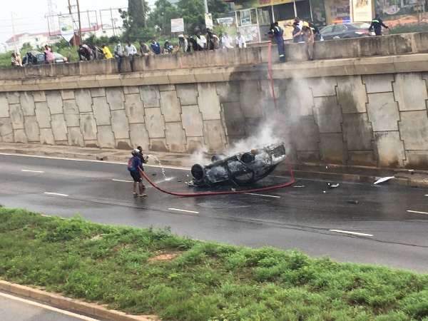 Vehicle catches fire at Legon overhead