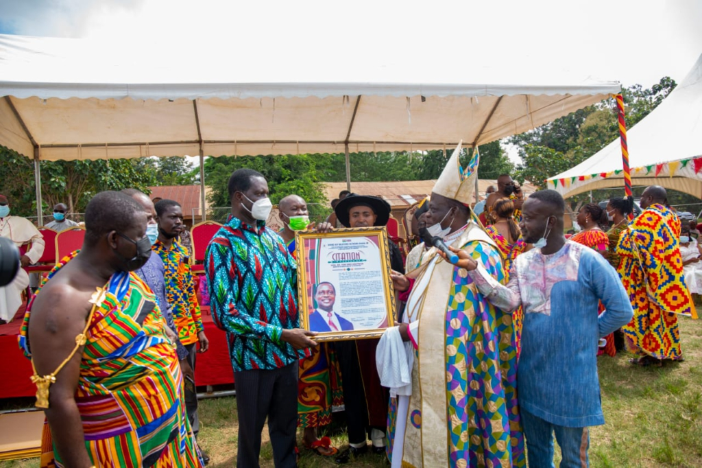 Education Minister, Asantehene, Paramount Chief of Tepa; 17 others honoured