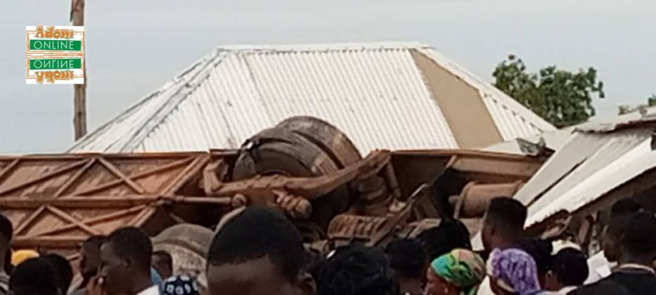 2 dead, 23 injured as bus crashes into shops and somersaults