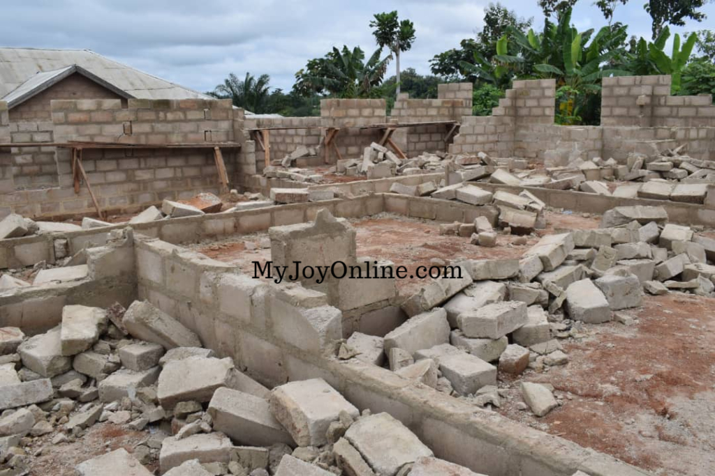 4 suspected land guards attacked for destroying woman's 10-bedroom self-contained at Asafo