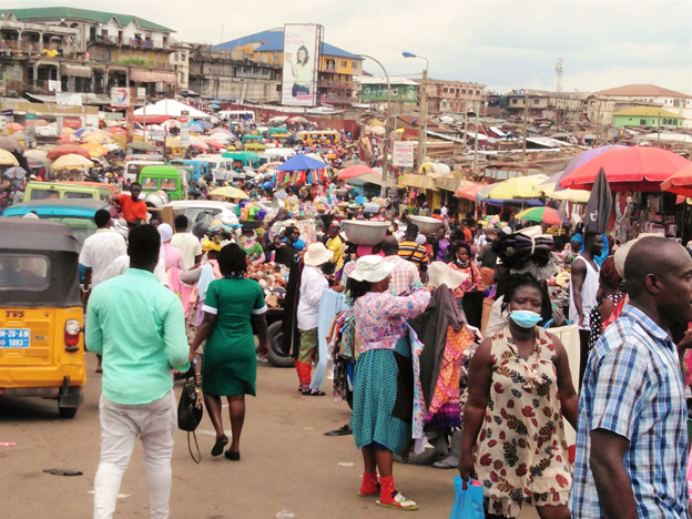 Desperate traders invade streets after eviction from Kumasi Central Market