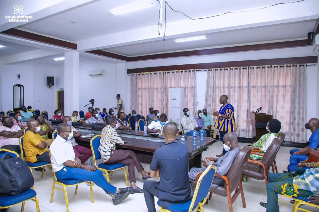 Information Ministry engages stakeholders in Western and Central regions