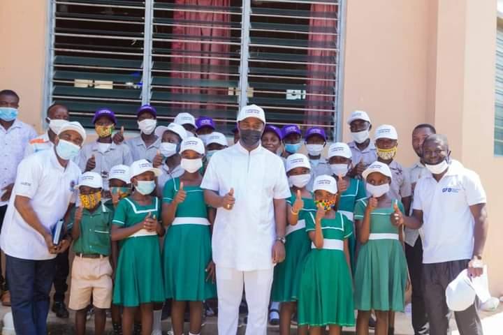Akufo-Addo endorses Western North Regional Minister's initiative to provide desk for schools
