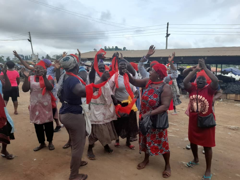 Nsawam bread sellers add their voices to calls for Emmanuel Owusu Arthur as new MCE