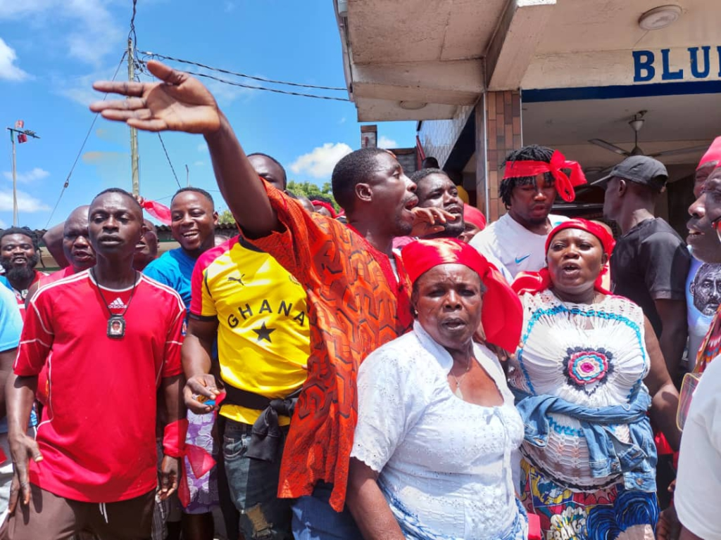 Concerned Youth of Odododiodoo protests alleged removal of Mohammed Adjei Sowah as Accra Mayor