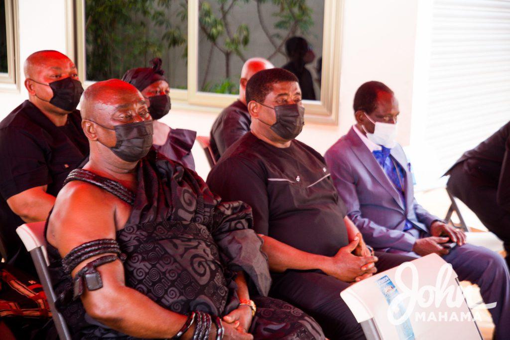 Mahama signs book of condolence for Ama Benyiwa Doe