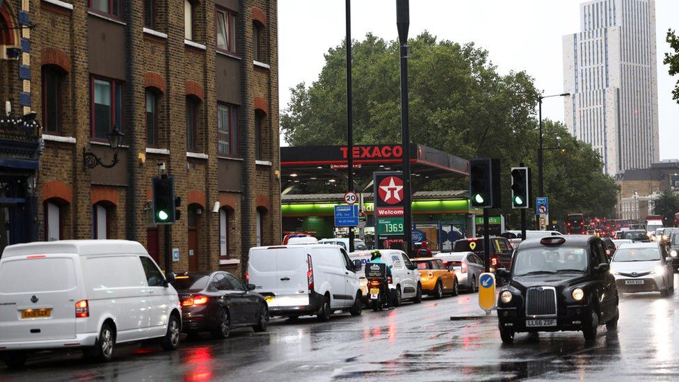 Fuel supply: UK suspends competition law to get petrol to forecourts
