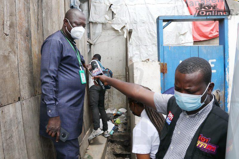 Joycleanghana Photos: AMA Metro Health Inspectors close down smelly public urinals at 'circle station'